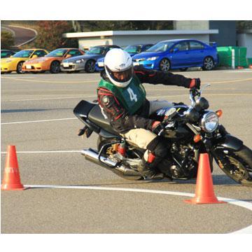 Hondaモーターサイクリストスクール 中級スポーティライドコース(鈴鹿サーキット)