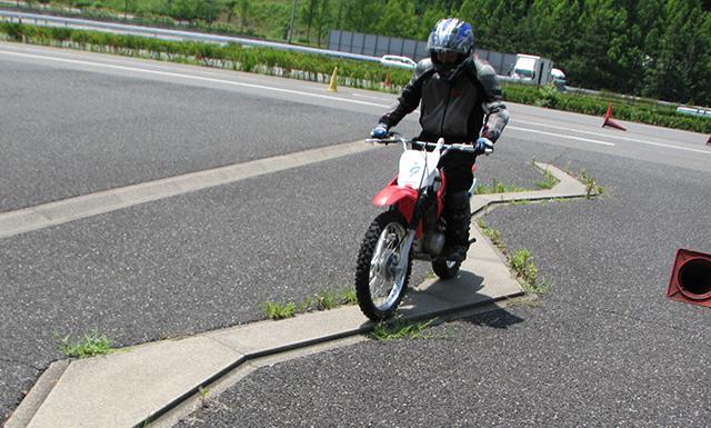 Hondaモーターサイクリストスクール オフロードバイク入門(ツインリンクもてぎ)