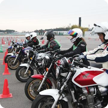 Hondaモーターサイクリストスクール 中級ツーリングライドコース(鈴鹿サーキット)