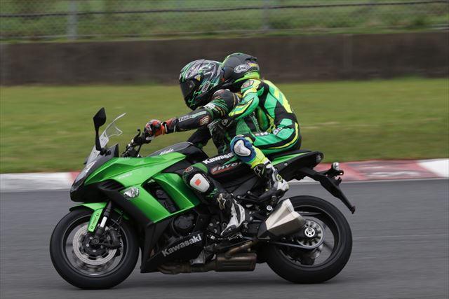 『KAZEサーキットライディングスクールinオートポリス』