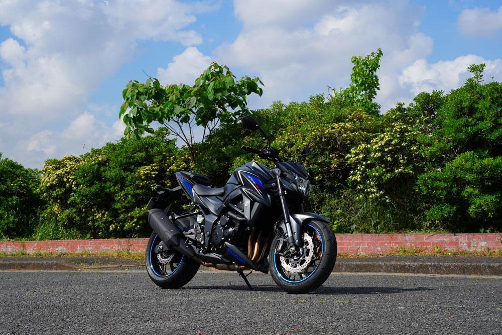 黒いバイクを撮るってすごく難しいなって話